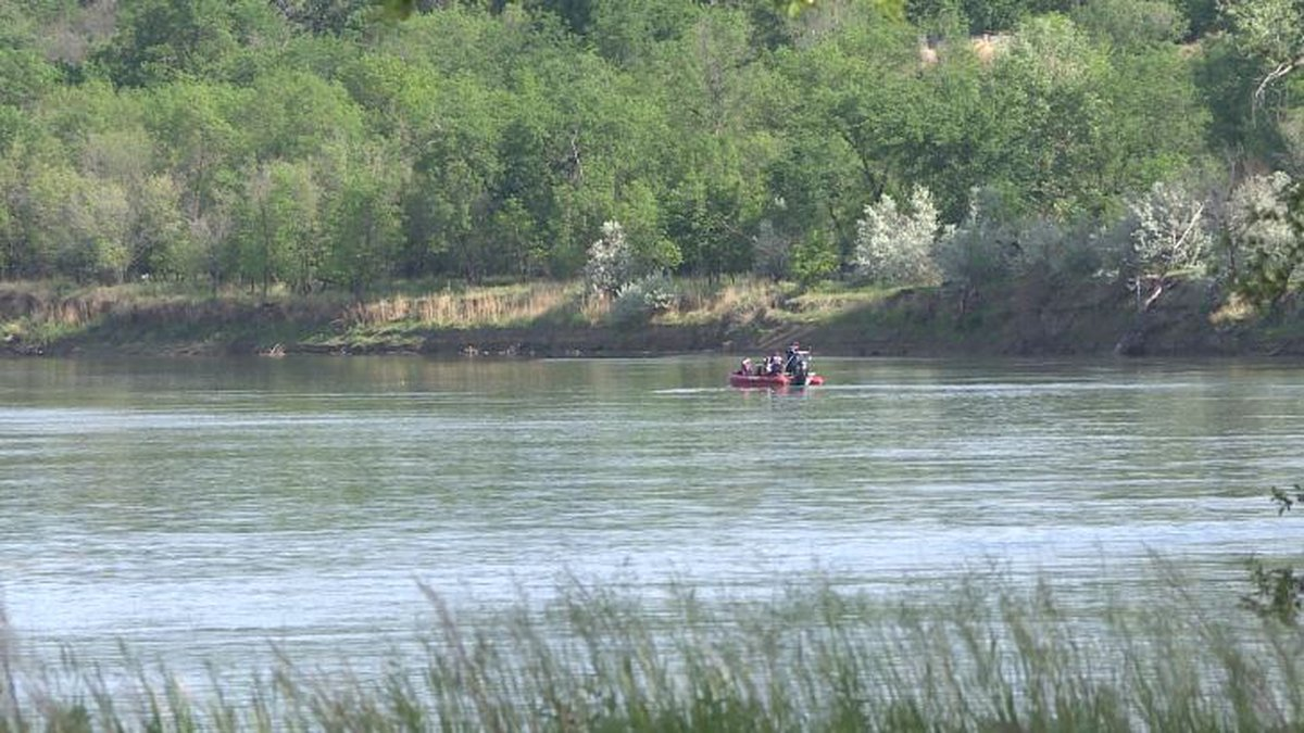 Search resumes for missing kayaker